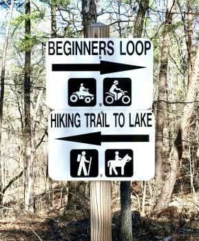 Hiking trail sign at Minooka Park
